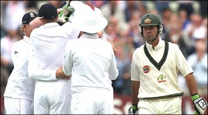 England celebrate the wicket of Australian captain, Ricky Ponting