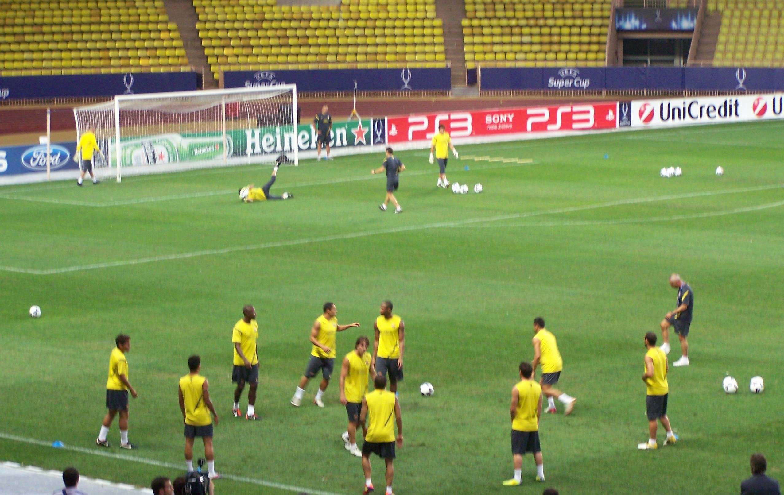 Barcelona players train ahead of 2011 UEFA Super Cup match with Porto