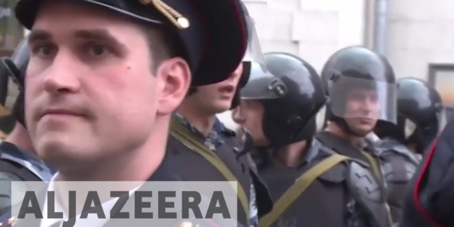 Russia: More than 1,000 arrested in anti-corruption rallies