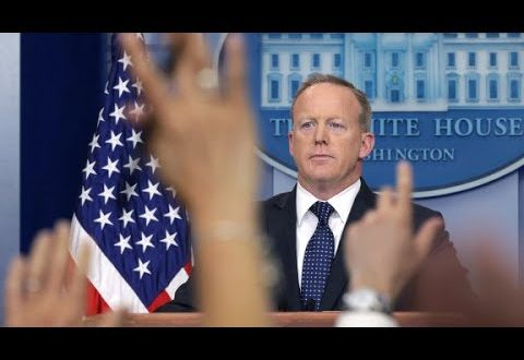 Spicer talks to CNN about resignation