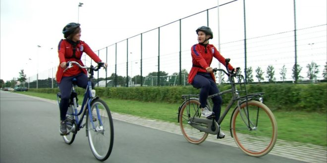 On your bike! Lionesses in Utrecht | Inside Access