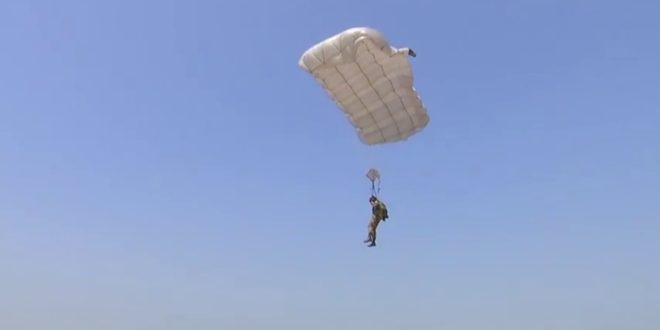 Head-spinning drills: Russian paratroopers train before Intl Army Games 2017